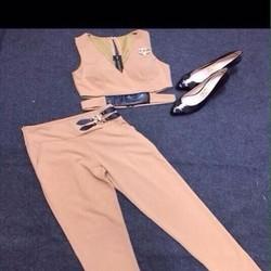 Sét áo kiểu khoét eo cổ V và quần baggy phối tag da sang trọng SQV143