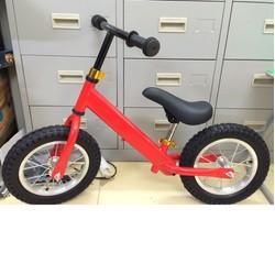 Xe đạp cân bằng cho bé từ 18 tháng đến 6 tuổi