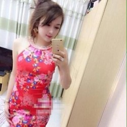 Đầm ôm cổ yếm đính hạt họa tiết hoa màu xinh đẹp nổi bật DOV783