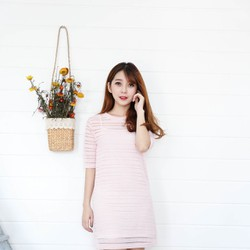 Đầm suông có tay màu hồng