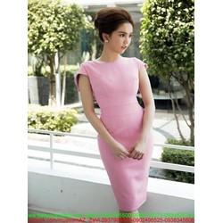Đầm body cổ thuyền bẹt vai màu hồng xinh như Ngọc trinh DOV794