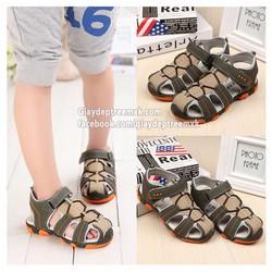 Giày sandal cho bé 1 đến 12 tuổi.