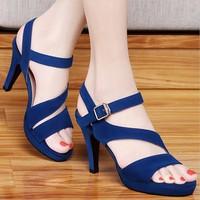 Giày cao gót quai soắn sành điệu - LN125