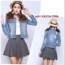 Áo khoác jean nữ 2 túi xước rách phong cách AKJ16