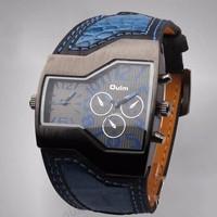 Đồng hồ Oulm dây da cá tính DHK009