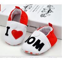 Giày trẻ em tập đi I Love Mom