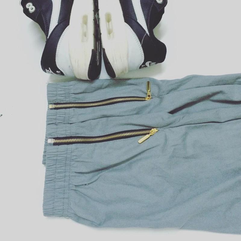 Quần jogger lưng thun khóa zip J8 10
