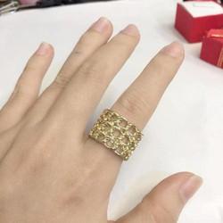 Nhẫn nữ đeo tay kiểu xích