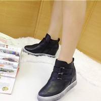 Giày bốt đế bằng độn 7p - BO01