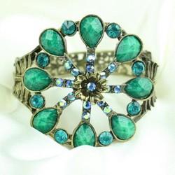 Vòng đeo tay thời trang nữ