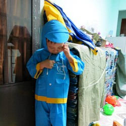 Bộ quần áo mưa em bé 7 tuổi - số 4