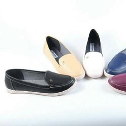 Giày bệt kiểu dáng thể thao, cực kỳ êm ái của thương hiệu giày Nados