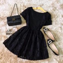Đầm xòe ren hoa tay ngắn
