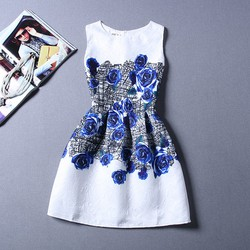 Đầm họa tiết hoa hồng xanh