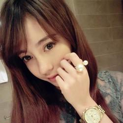 Nhẫn nữ thiết kế gắn hình hạt nổi bật, cá tính, thời trang Hàn.