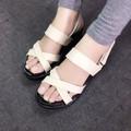 Giày sandals quai chéo đế bánh mì màu kem SDQN15