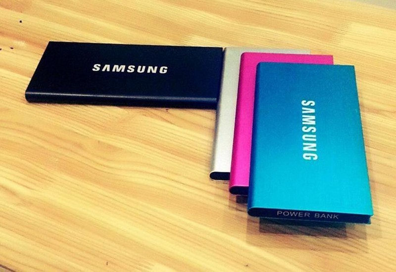 Sạc dự phòng Samsung 12,000 mA siêu mỏng Tặng 1 đèn LED 50K 3