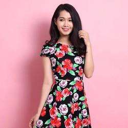 Đầm xoè hoạ tiết hoa màu sắc trẻ trung