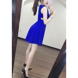 Đầm xoè khoét lưng