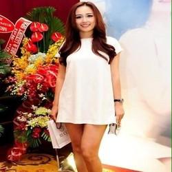 Đầm suông tay con thiết kế đơn giản màu trắng trẻ trung DSV183