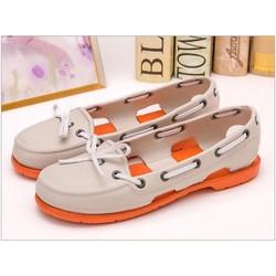 Giày Crocs beachline boat màu kem đế cam
