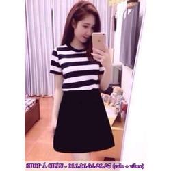 Đầm xoè sọc ngang trắng đen