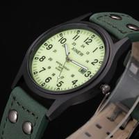 Đồng hồ Xi New mặt dạ quang dây da SP239