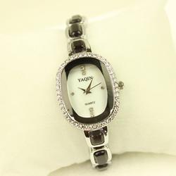 Free Ship- Đồng hồ thời trang nữ Yaqin phong cách Hàn Quốc