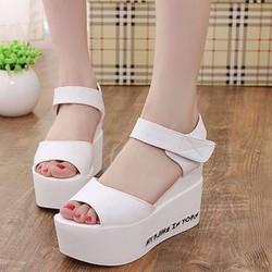 Giày Sandal đế bánh mì SD147T