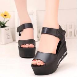 Giày Sandal đế bánh mì SD147D
