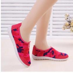 Giày lười nữ thời trang, phối màu độc đáo, phong cách sành điệu, đỏ đô