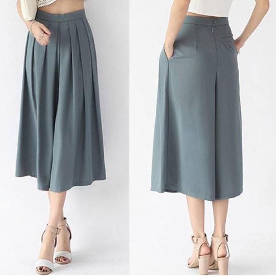 Chiếc quần Zara rộng xếp ly dán đẹp