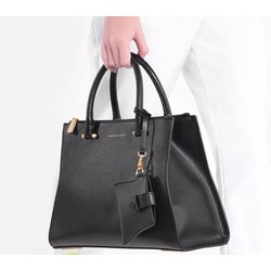 Bộ công sở Charles and Keith vừa A4