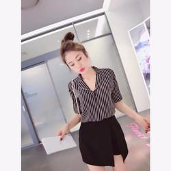 Bộ Set Áo Sọc Và Váy Xinh Như SongHyeKyo