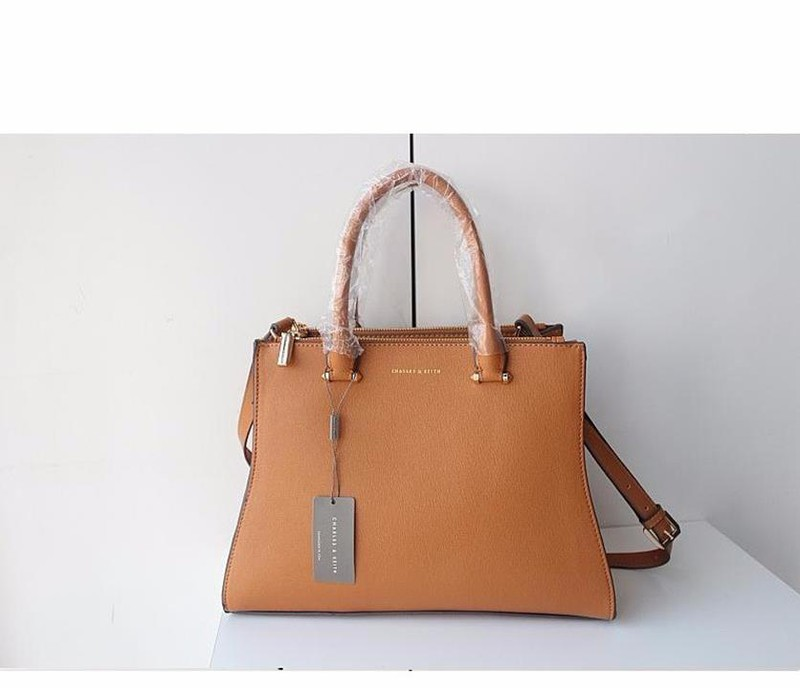 Bộ công sở Charles and Keith vừa A4 2