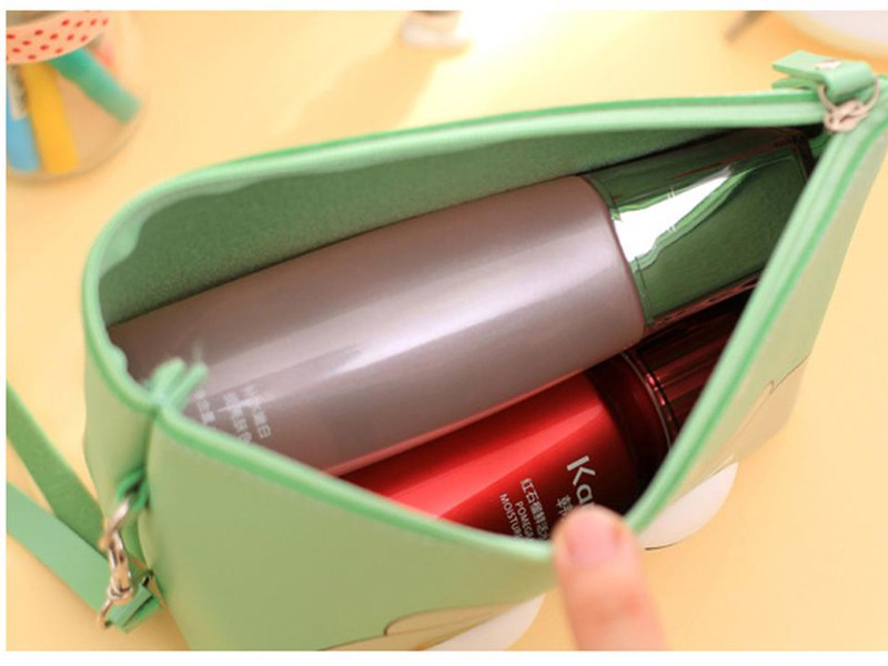 Túi đựng mỹ phẩm hoạ tiết hoạt hình. 7