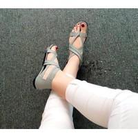 giày sandal xỏ ngón