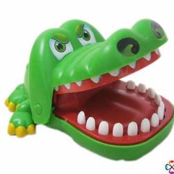 Cá sấu đồ chơi vô cùng ngộ nghĩnh đáng yêu