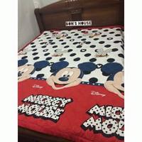 Chăn hè trần bông Mickey