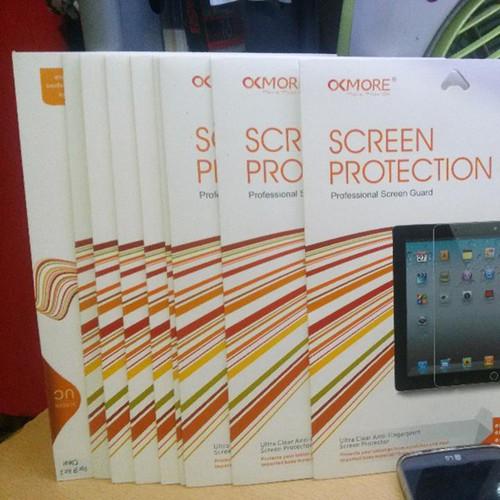 02 Miếng dán màn hình iPad AIR 2, hiệu OKMORE