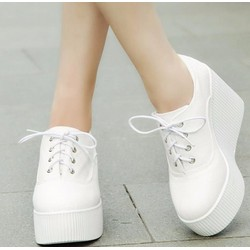 Giày Bánh Mì Trắng G09