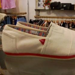 Giày hiệu SKONO xuất khẩu Hàn Quốc