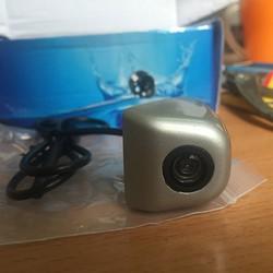 Camera lùi tích hợp thước kỹ thuật số dành cho ô tô