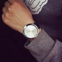 Đồng hồ dây da cảm ứng izend chạm cái lên đèn led hiển thị giờ