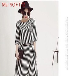 Sét áo kiểu tay loe và quần lửng sọc ngang trắng đen cá tính SQV172