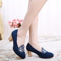 Giày cao gót thời trang hiện đại