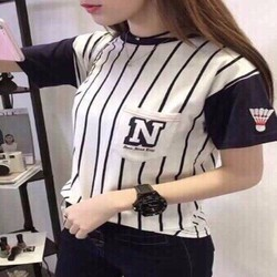 Áo thun nữ in chữ N ở túi cá tính dễ thương
