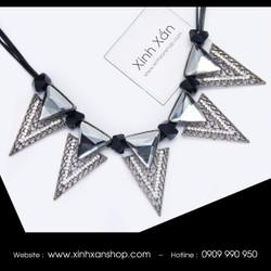 Dây chuyền tam giác đính đá NEa20