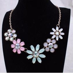 Vòng cổ nữ phối hoa nhiều màu, phong cách Hàn Quốc ngọt ngào