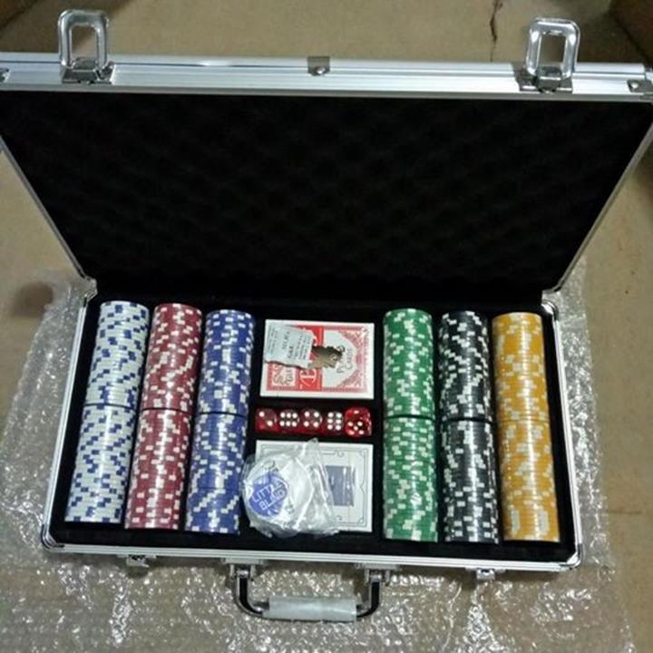 Ban bo poker